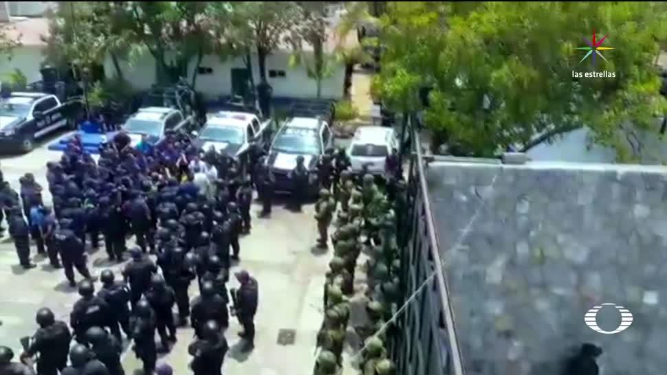 noticias, televisa news, Integrantes, crimen organizado, disfrazados, Policia de Zihuatanejo