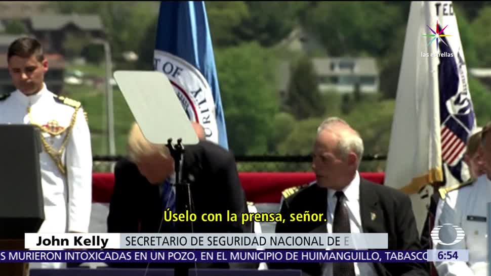 Donald Trump, ceremonia, Guardia Costera, prensa, sable