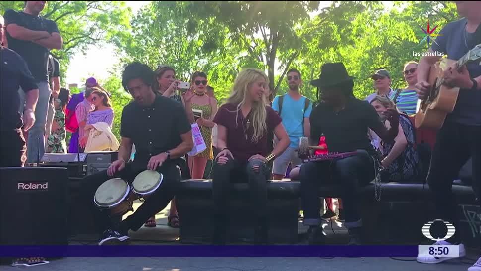 Shakira, sorprende, visitantes, Washington Square Park