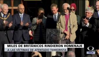Homenaje, víctimas, ataque en Manchester, Miles de británicos