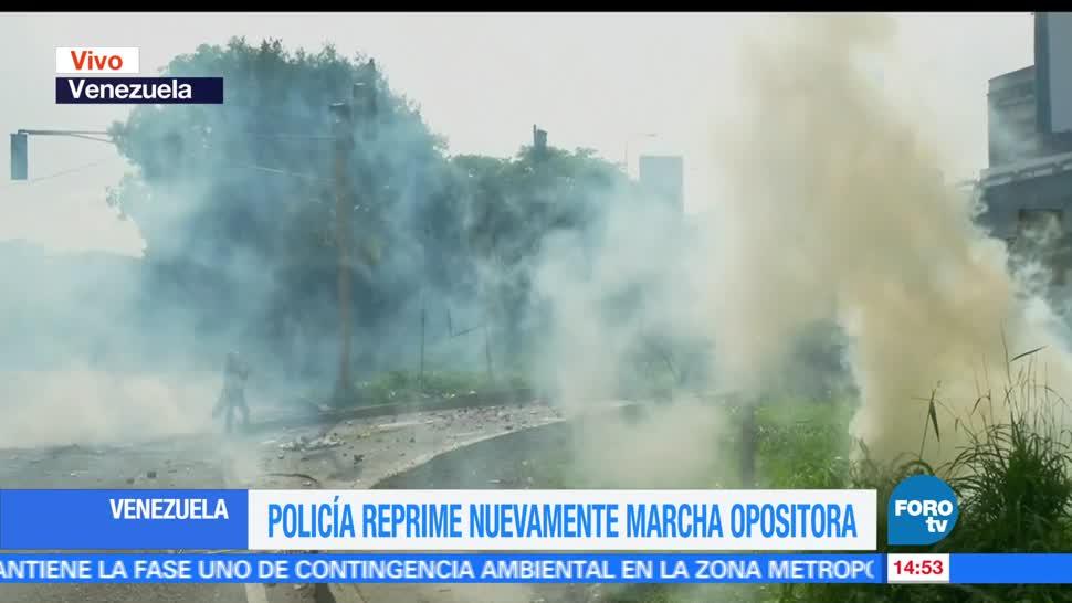 noticias, forotv, Lanzan, gas lacrimogeno, opositores, Venezuela
