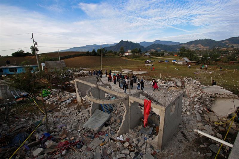 Al menos 14 personas fallecen por la explosión de un polvorín en el municipio de Chilchotla, Puebla (EFE)