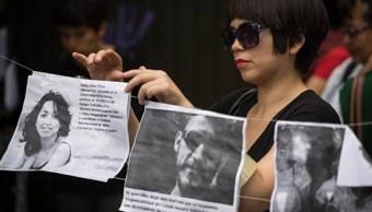 Imagen: Piden limpiar la memoria de las víctimas que de acuerdo con los familiares fueron estigmatizados, el 4 de agosto de 2019 (Getty Images, archivo)