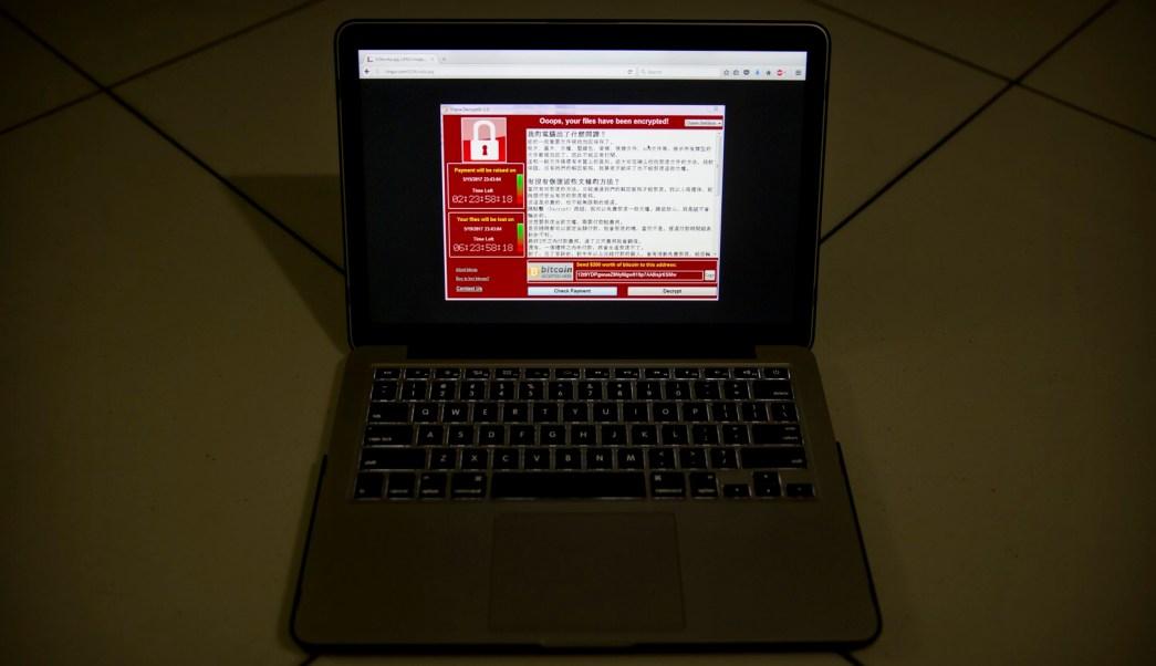 computadora con el virus ransomware