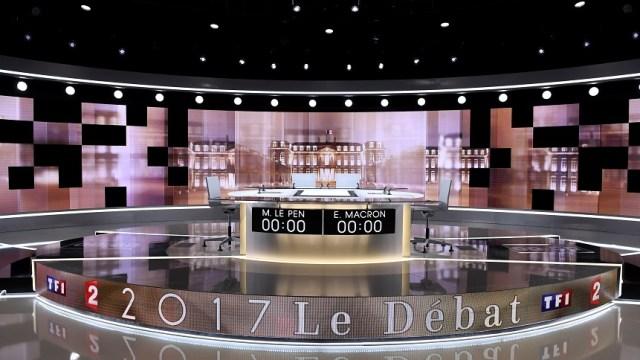 Estudio de TV, en vísperas del último debate televisivo entre Macron y Le Pen en París (Reuters)