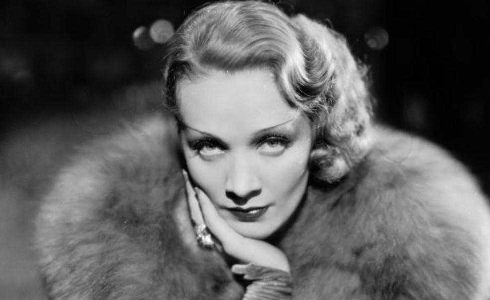 Marlene Dietrich en 1932 como Madeline o Shanghai Lily en la película 'Shanghai Express' (Getty Images)