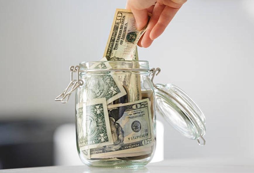 Bancos capitalinos vendieron el dólar hasta en 18.86 pesos. (Getty Images/Archivo)