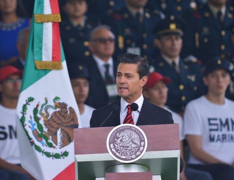 Peña Nieto, presidente, México, crimen, combustible, servicio militar,