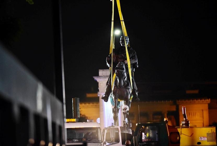 Remueven monumento esclavista en New Orleans (Reuters)