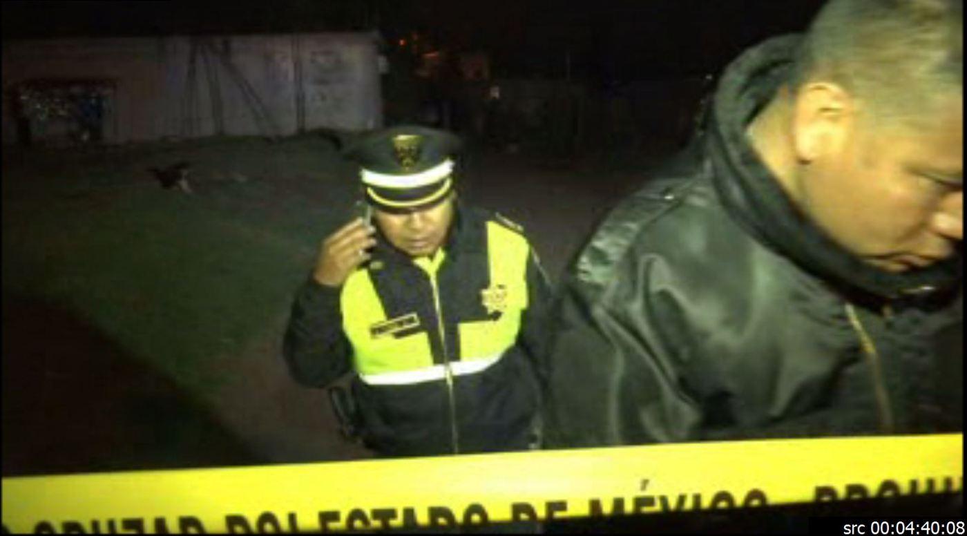 Policías acuden a la zona donde exploto un polvorin