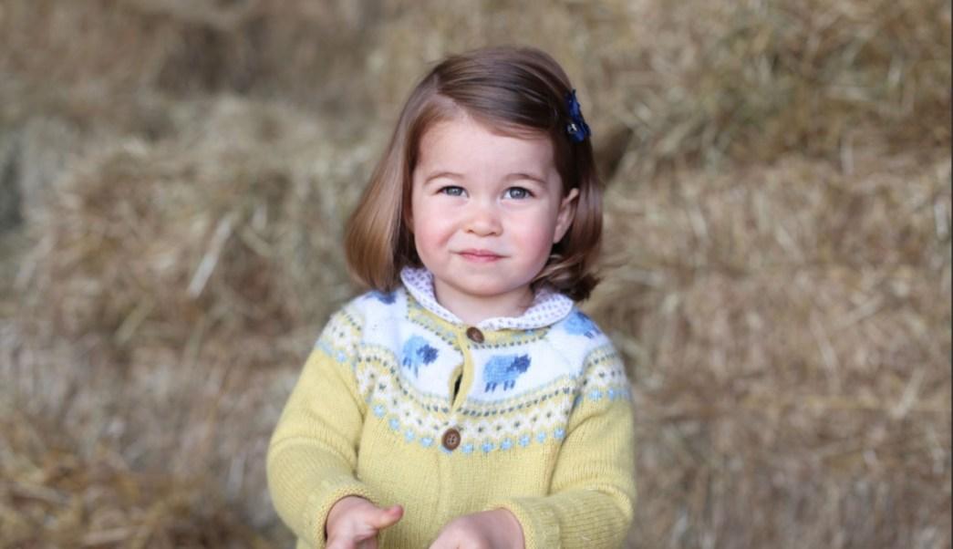 Foto de la princesa Charlotte por su segundo cumpleanos