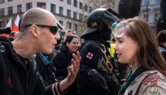 Fotografía niña scout viral