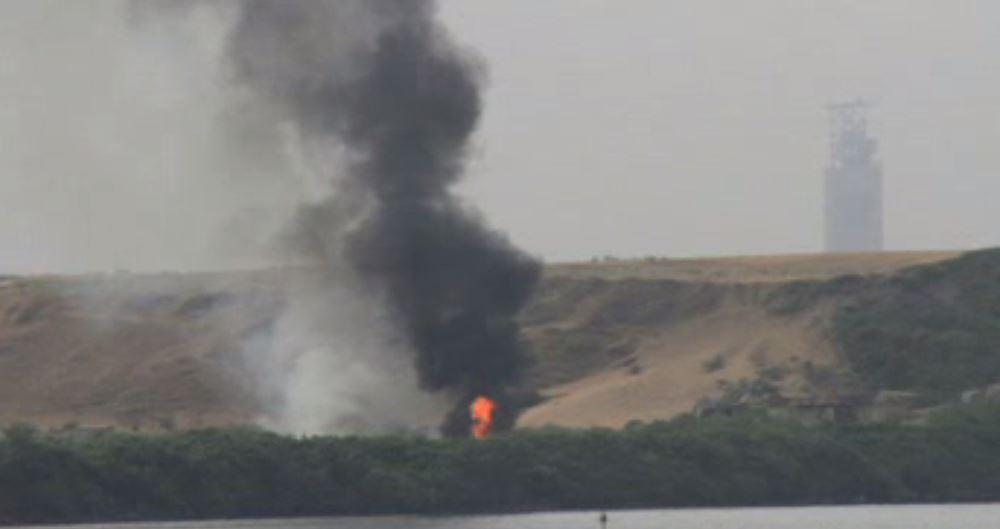 Bomberos atienden incendio en bodega de Veracruz