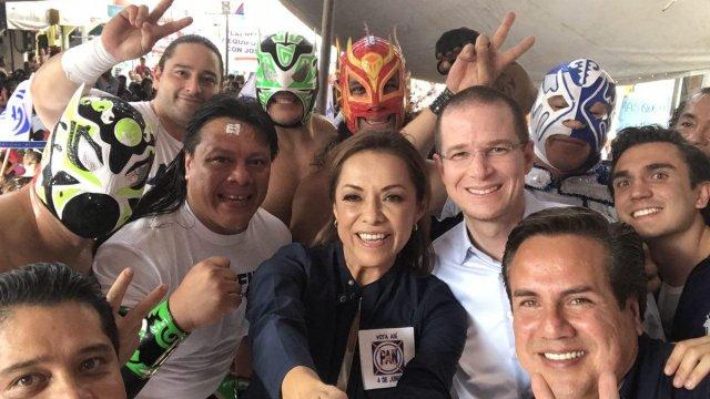Josefina presenció una función de lucha libre en la colonia Caracoles