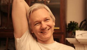 Julian Assange publicó una fotografía suya en Twitter