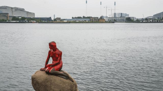 La Sirenita es una de las grandes atracciones de Dinamarca y ha sido usada para cualquier tipo de reivindicaciones políticas