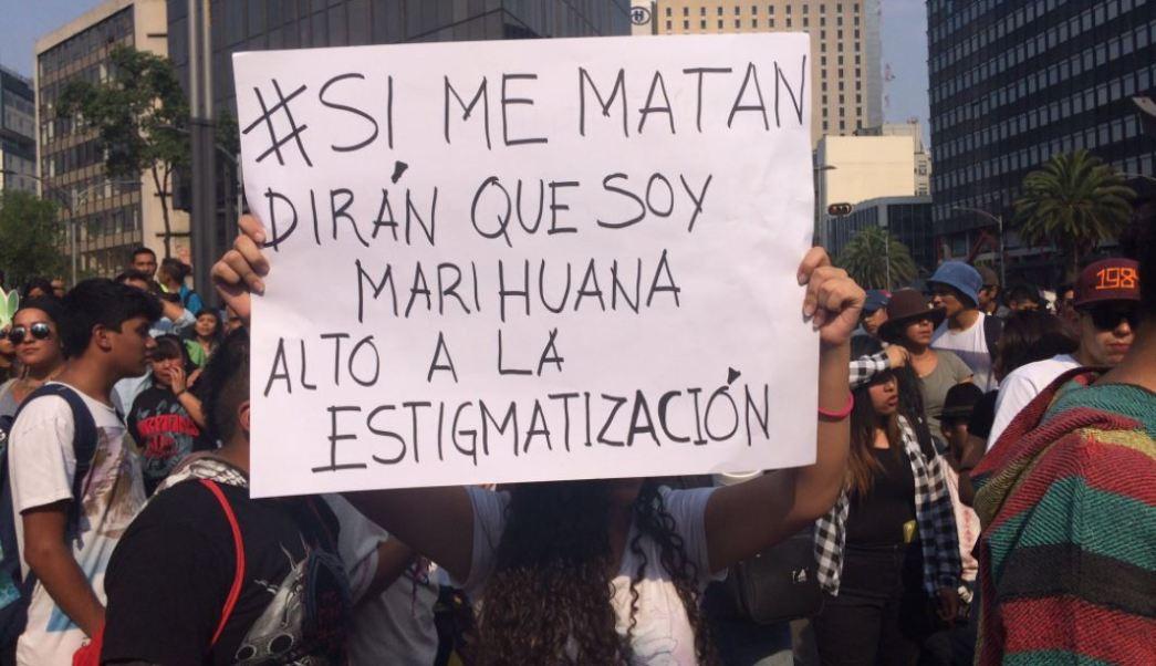 Durante la marcha se pidió no criminalizar a los consumidores (Twitter @ajplusespanol)