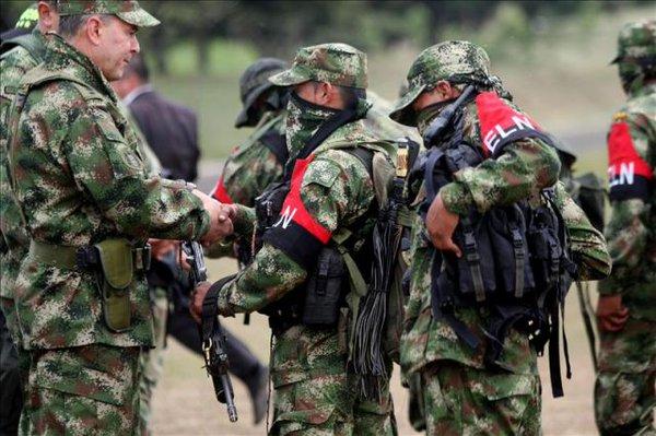 Guerrilla, FARC, ELN, Colombia, secuestro, paz, armas, Santos,