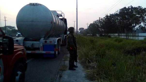 Fuerzas federales incautan combustible ilicito en tabasco