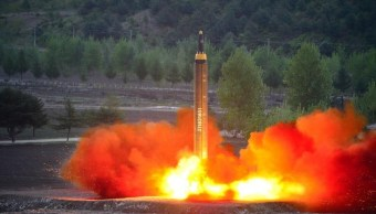 El misil balístico de largo alcance Hwasong-12 (Mars-12) (Reuters)
