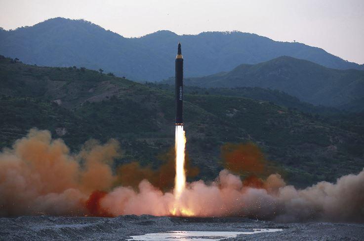 Corea del norte lanza proyectil, corea del sur, Pyongyang, misil, lanzamiento misil, capital