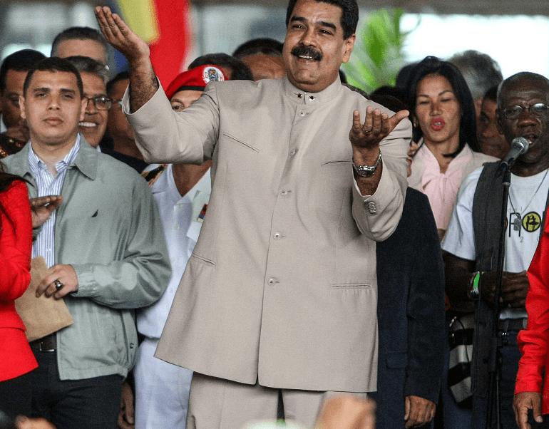 Nicolás Maduro en la sede del Consejo Nacional Electoral