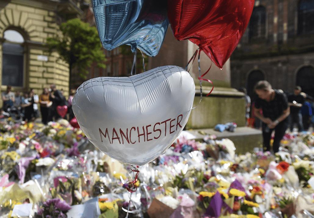 Difunden las fotos del terrorista de Manchester minutos antes de hacerse explotar