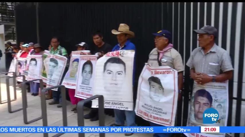 noticias, hora 21, Padres, 43 normalistas, senadores y diputados, Ayotzinapa
