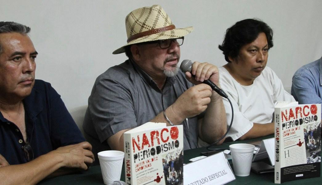 periodista javier valdez durante conferencia de prensa