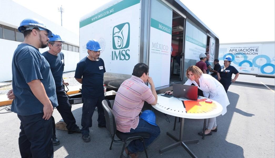 El IMSS atiende a derechohabientes de una empresa