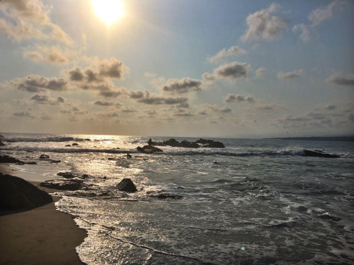 Playa Zicatela durante un atardecer