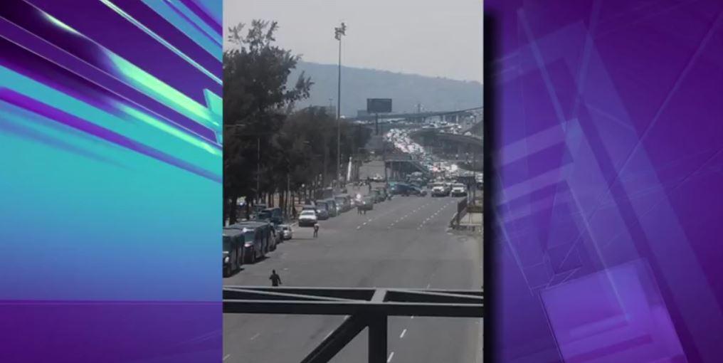 La caravana fue escoltada por policías (FOROtv)