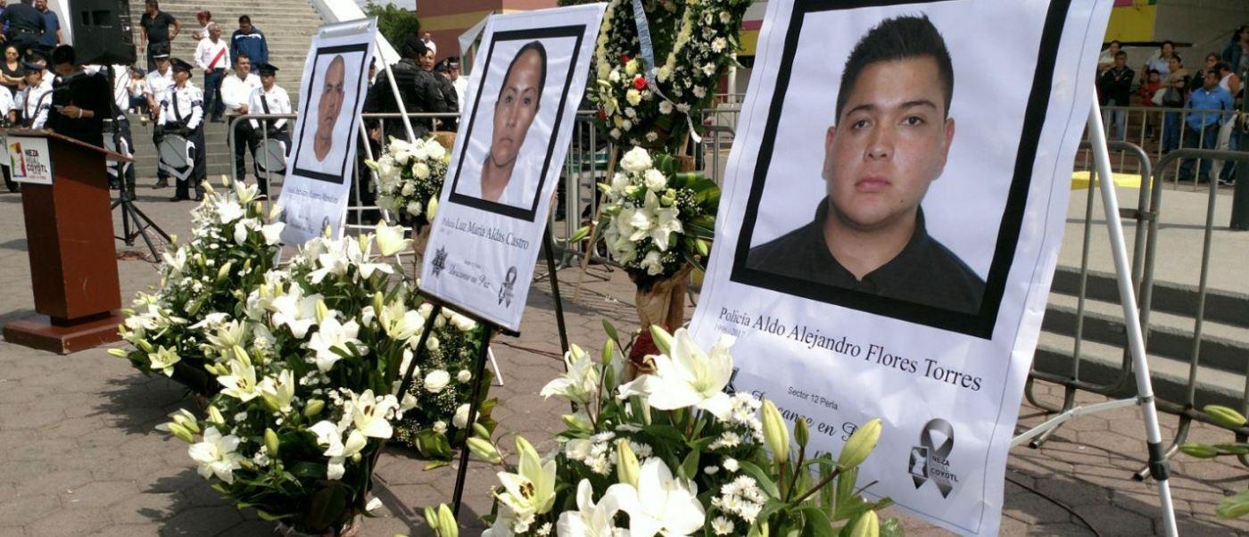 Rinden homenaje a policías municipales que murieron durante un asalto en Nezahualcóyotl