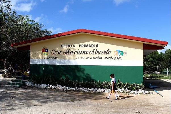 Instalaciones de una escuela primaria en Quintana Roo