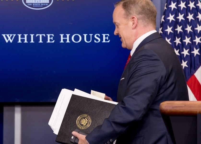 Sean Spicer, reporteros, preguntas, despreciar, Casa Blanca, presupuesto, prensa,