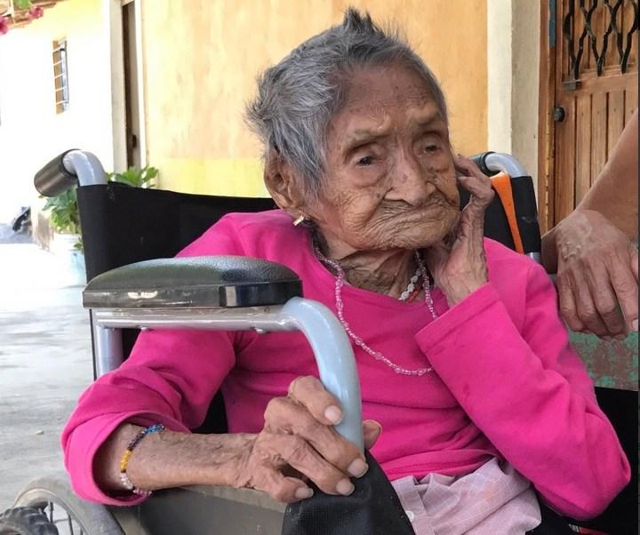 La señora Victoria Jacobo González tiene 117 años. (Twitter @berthareynoso)