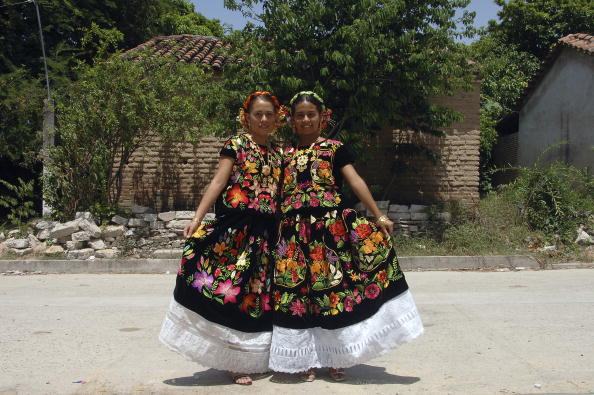 Traje De Tehuana Herencia Zapoteca Para Pedir Buenas