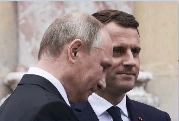 Vladimir Putin y Emmanuel Macron mantuvieron un encuentro en el Palacio de Versalles, en Francia