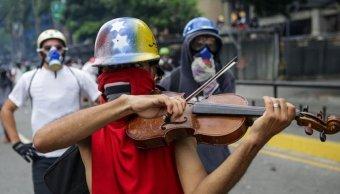 Venezuela, protestas, Maduro, violencia, muertos, violín,