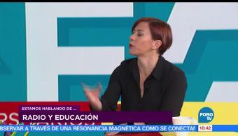 La profesora Juana Inés Dehesa, jefa de información del noticiero Primer Movimiento, Programación, Radio UNAM