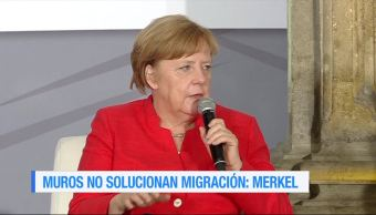La canciller de Alemania, Angela Merkel, Muros no, migración