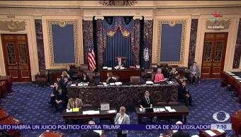 legisladores demócratas, demanda contra Donald Trump, cargo, aprovecharse
