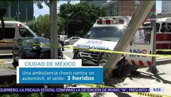 ambulancia, choca contra automóvil, avenida Cuauhtémoc, colonia Narvarte, heridas