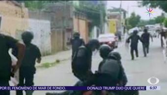 Estudiantes normalistas, normalistas de Tiripetío, bloquear las vías, policías