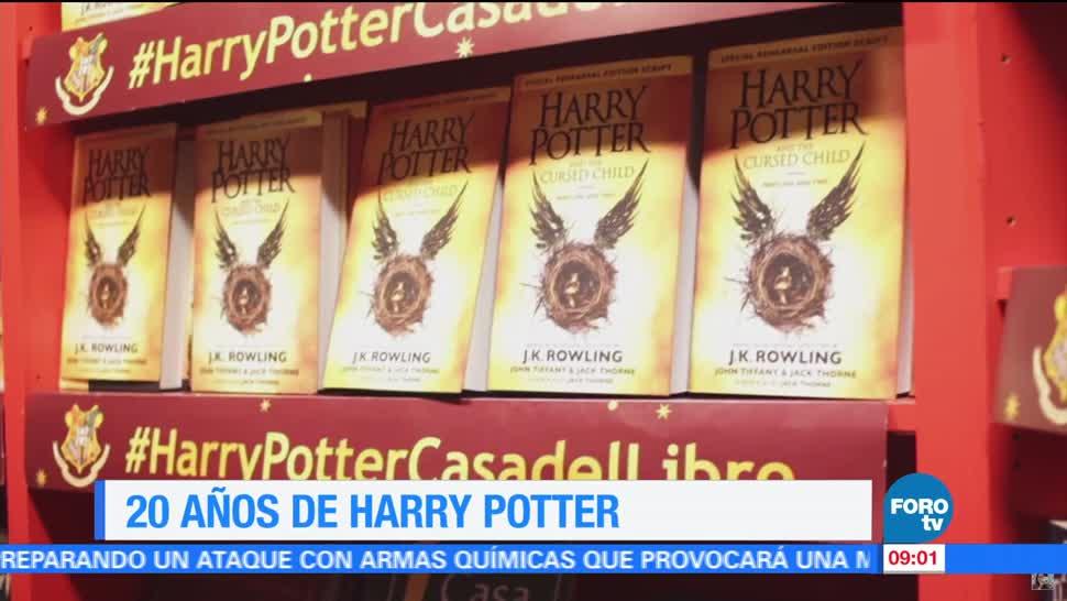 ocho editoriales, 'Harry Potter y la piedra filosofal', primer libro, escritora J.K Rowling