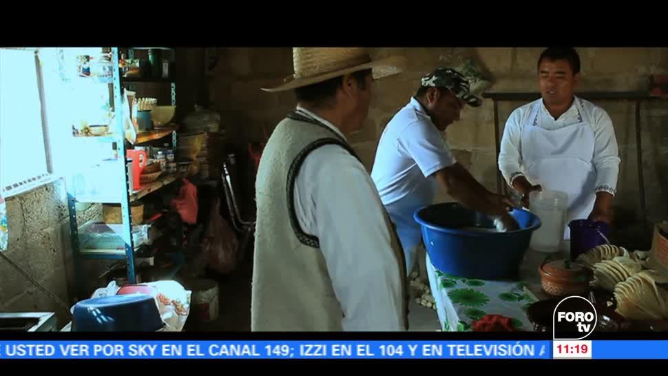 Bernabé de Jesús Martínez, comunidad de Santiago, tamales, Santiago Oxtoc Toxhié