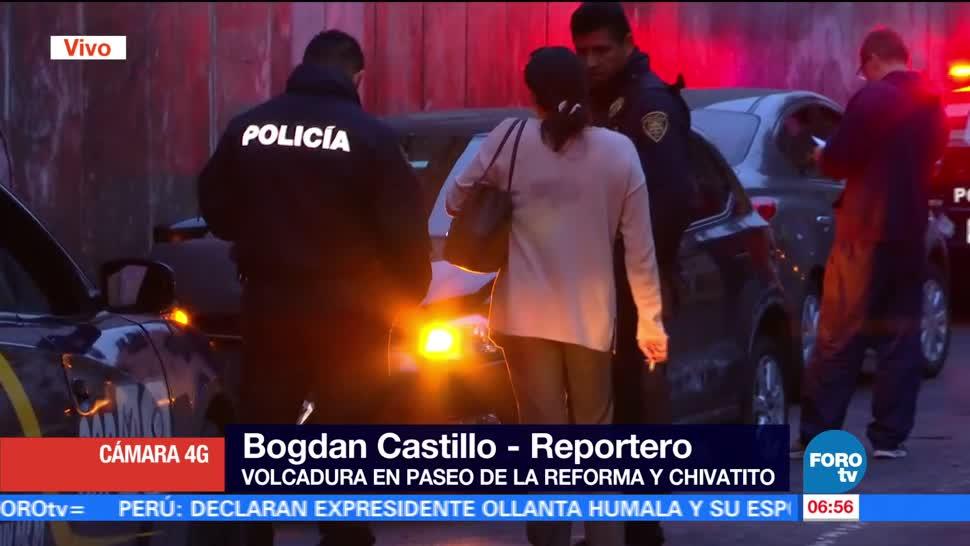 Vuelca, auto particular, Paseo de la Reforma