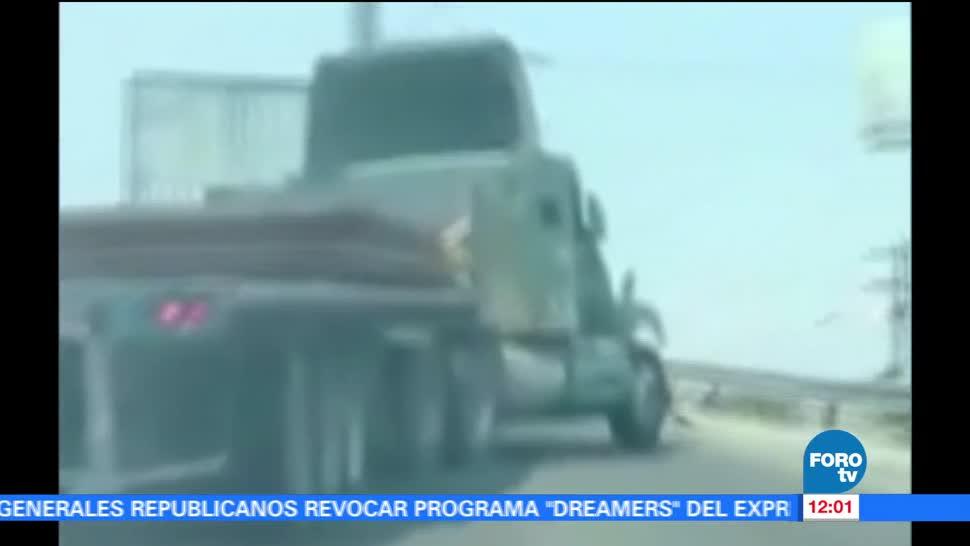 tráiler, puente, exceso de velocidad, San Nicolás, Nuevo León