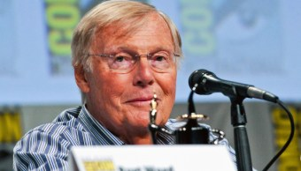 Adam West, batman, serie de televisión, comics