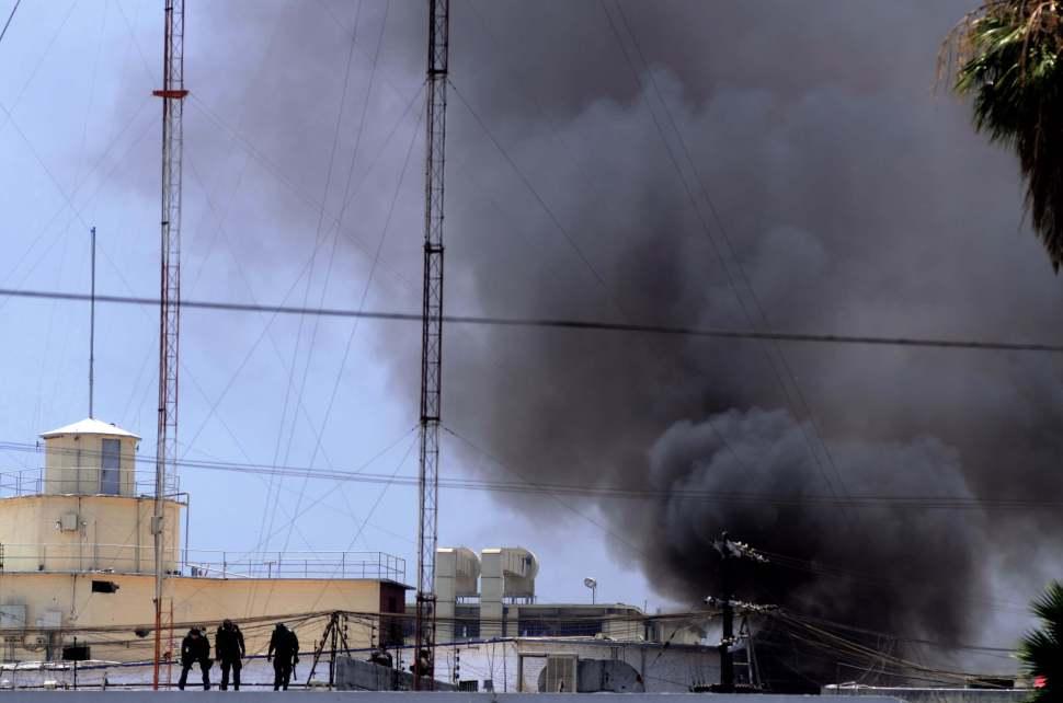 Los internos quemaron objetos y subieron a la azotea, Seguridad, Violencia